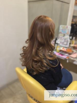 haircolor_yellowbeige13_backstyle2