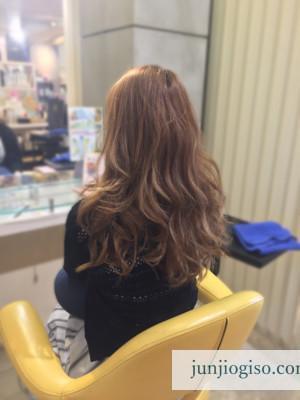 haircolor_yellowbeige13_before_backstyle
