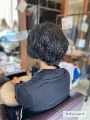くせ毛を活かした髪型