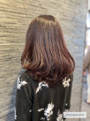 イルミナカラー オーキッド 10レベル ミディアム毛先巻スタイル